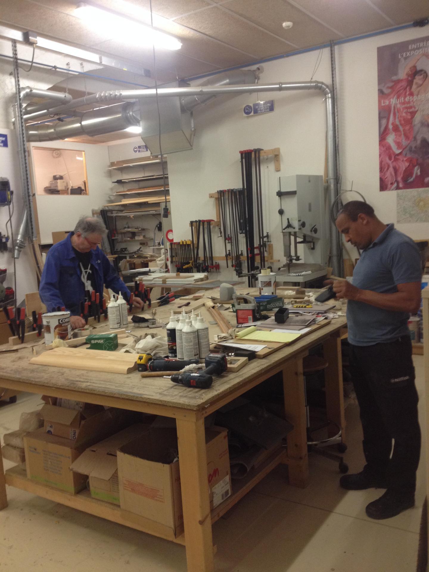 Atelier menuiserie- fabrication de socles